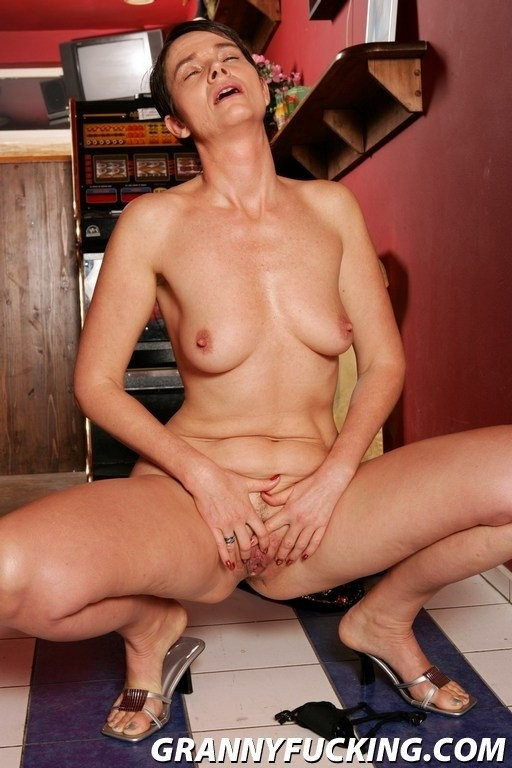 almost famous naked – Erotic