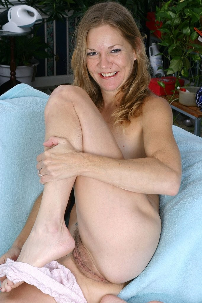 womens foot nude – Other